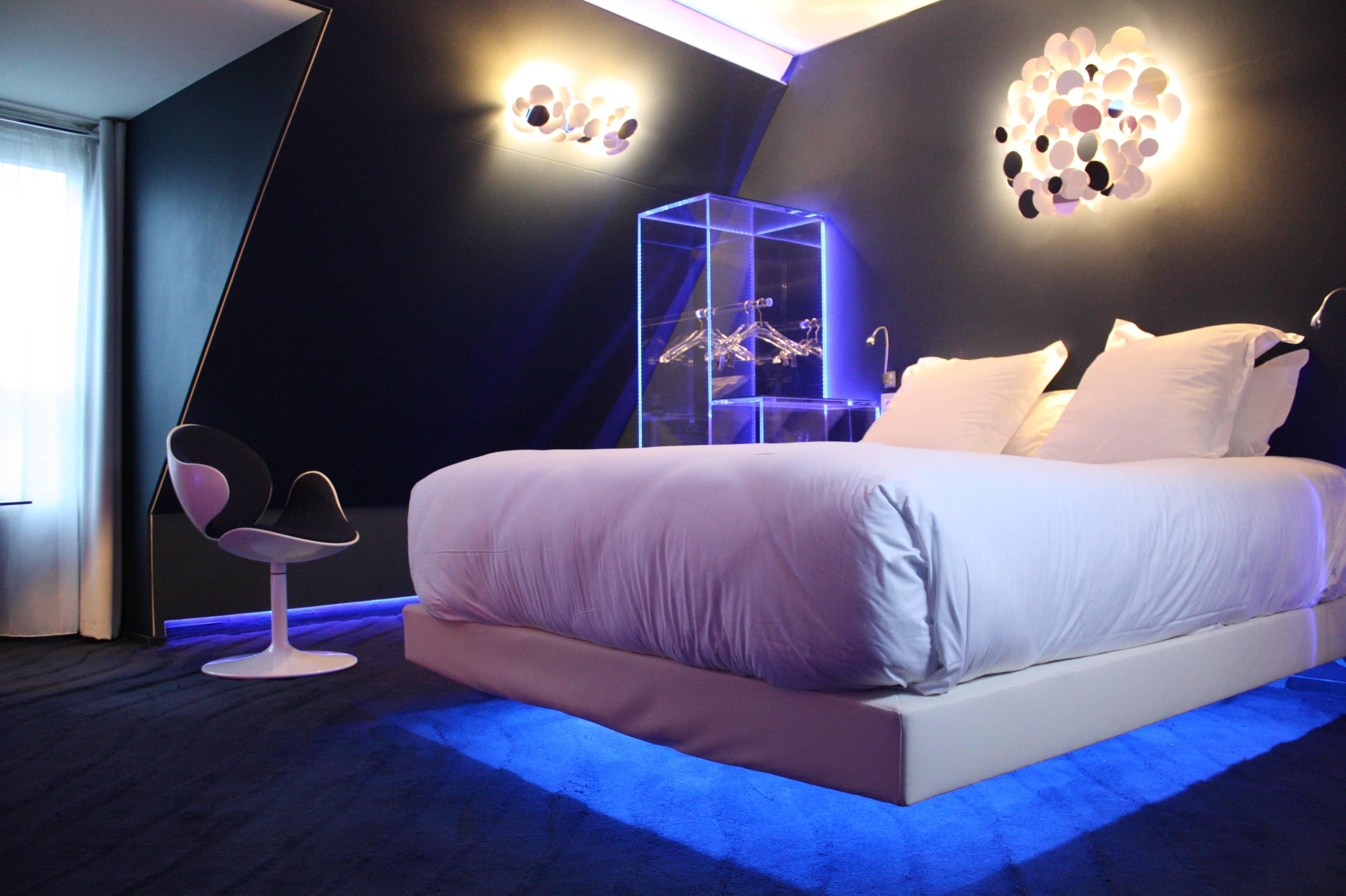 le seven hotel une exp rience l vitation en plein c ur de paris two french explorers. Black Bedroom Furniture Sets. Home Design Ideas