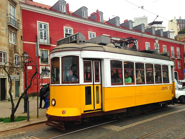 tramwaylisbonne-twofrenchexplorers