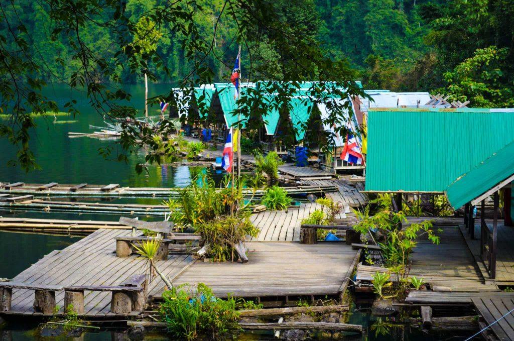 khao-sok-parc-naturel-two-french-explorers (1)