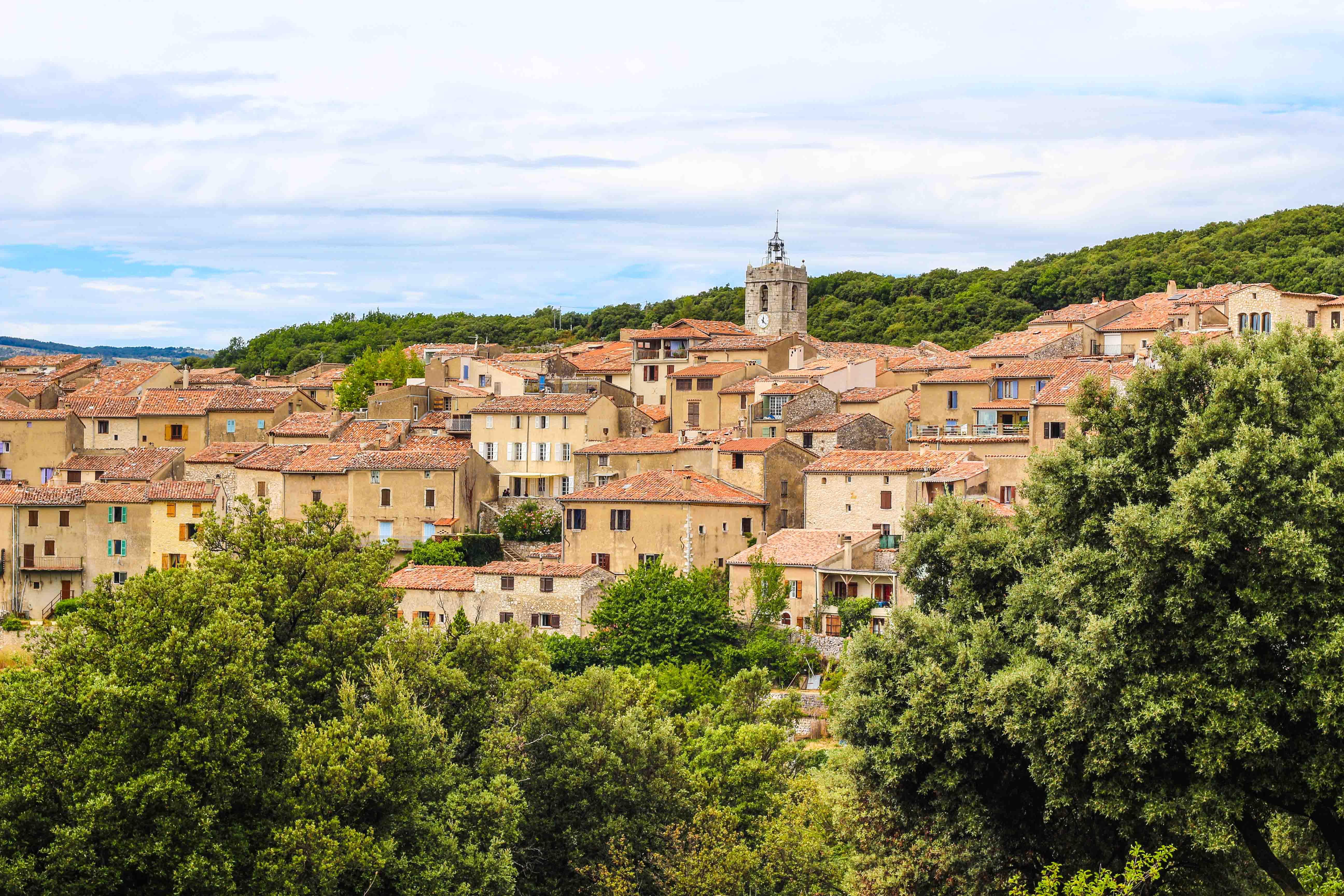 Visiter mons en provence l 39 un des plus beaux villages du - Les plus beau village du var ...